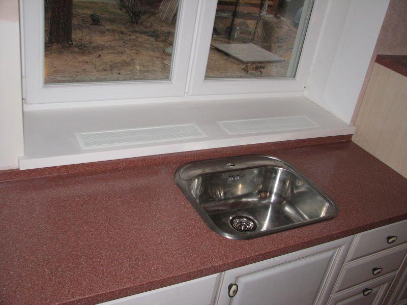 Мойки для кухни из искусственного камня бордовые