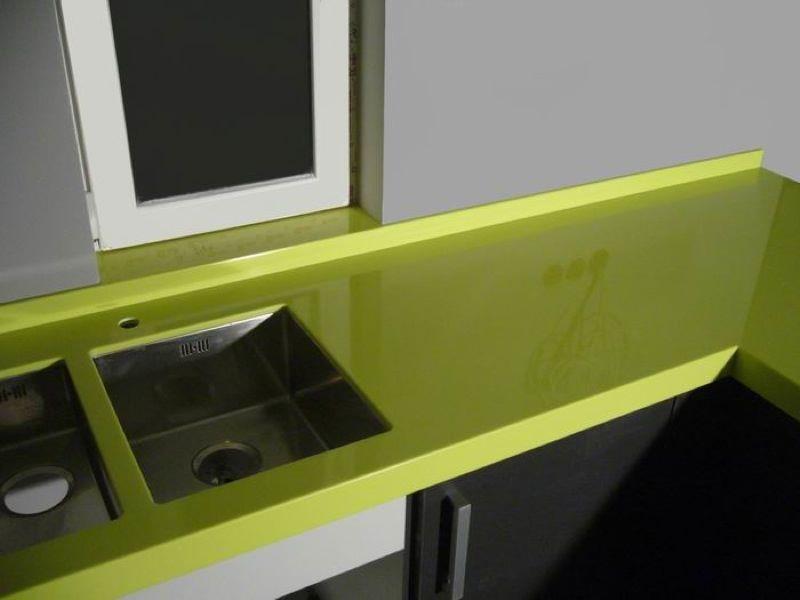 Мойка для кухни из искусственного камня зеленая