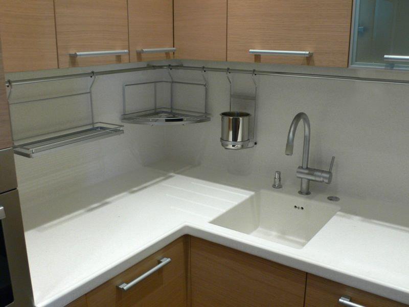 Белая мойка для кухни из искусственного белого камня